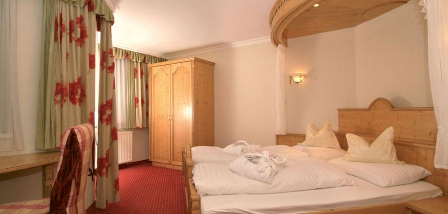 Austria_Ischgl_Hotel_Birgitte_bedroom.jpg